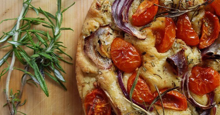 Focaccia con Pomodorini e Rosmarino